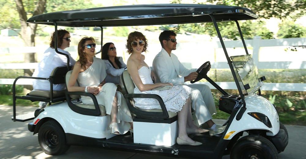 Better Things 2: Die Alleinerziehende fährt mit anderen Frauen auf einen Ausflug.