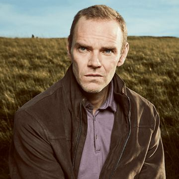A Confession: Joe Absolom als Christopher Halliwell